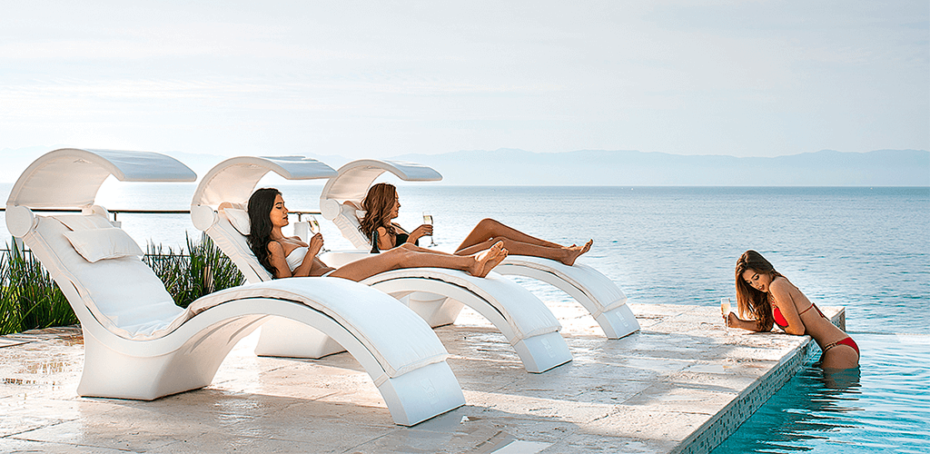 Resin pool loungers. In-Pool furniture collection by GodoPools