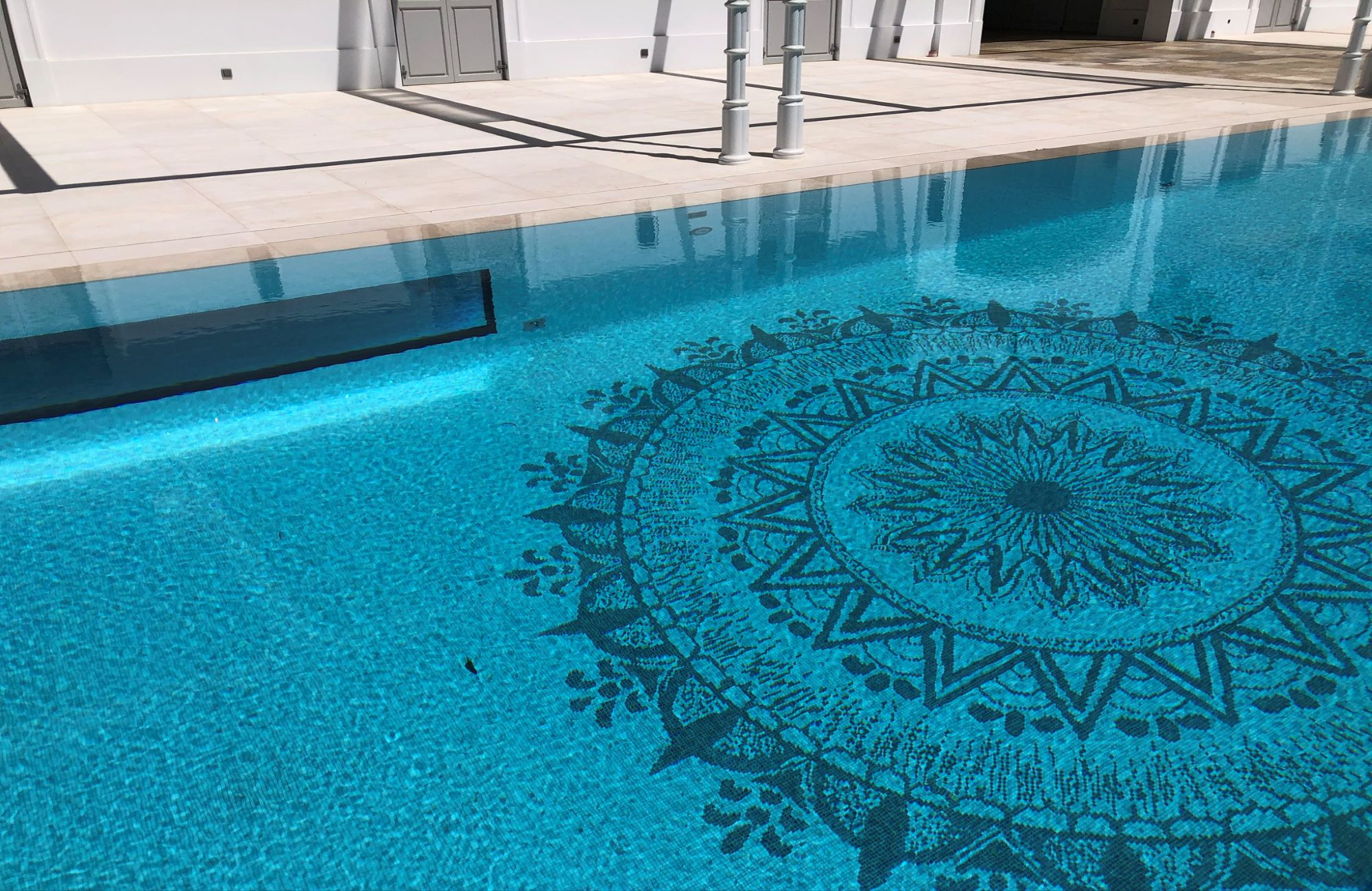 Trends in swimming pool mosaics