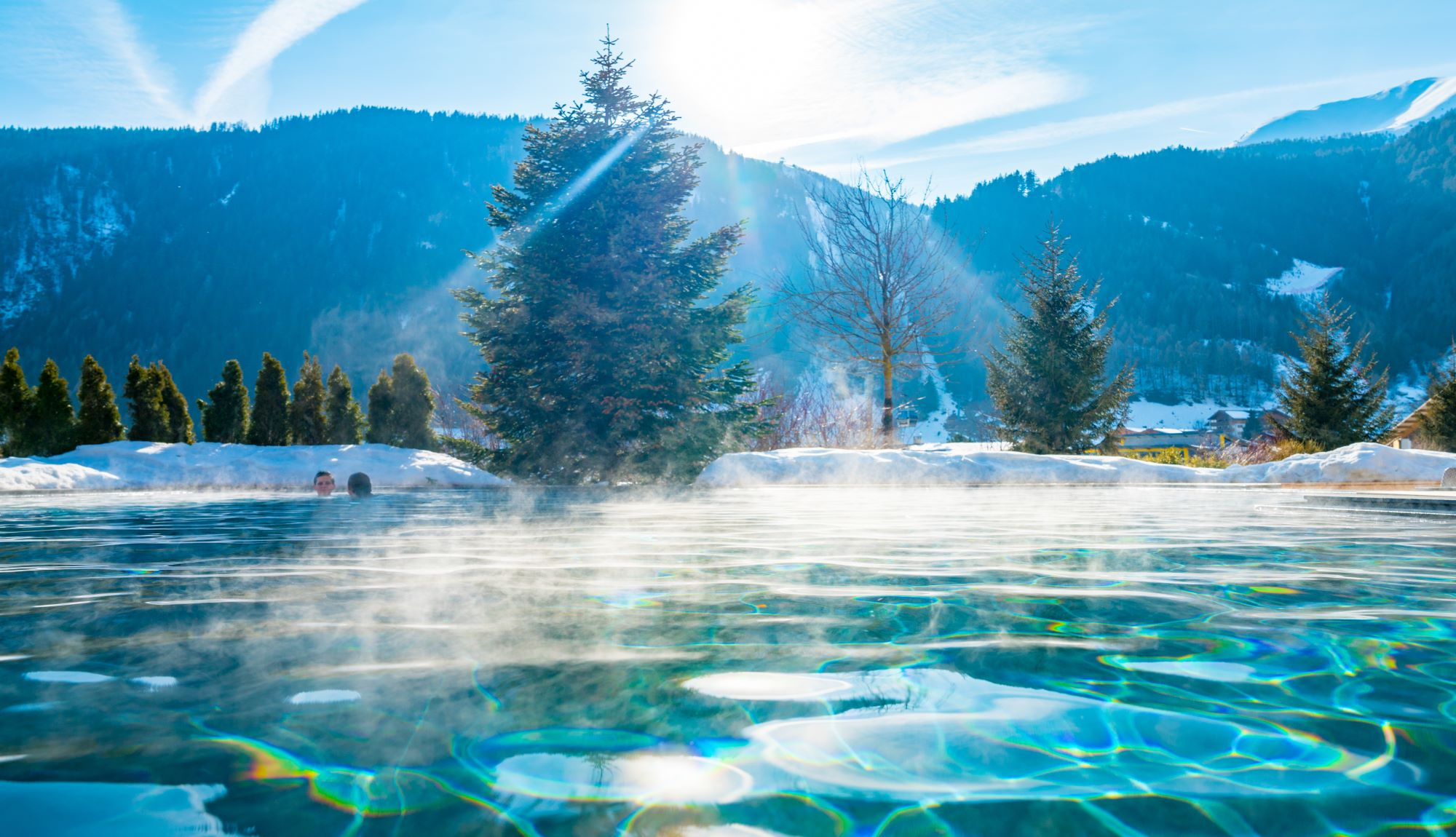 How do warm water pools works?