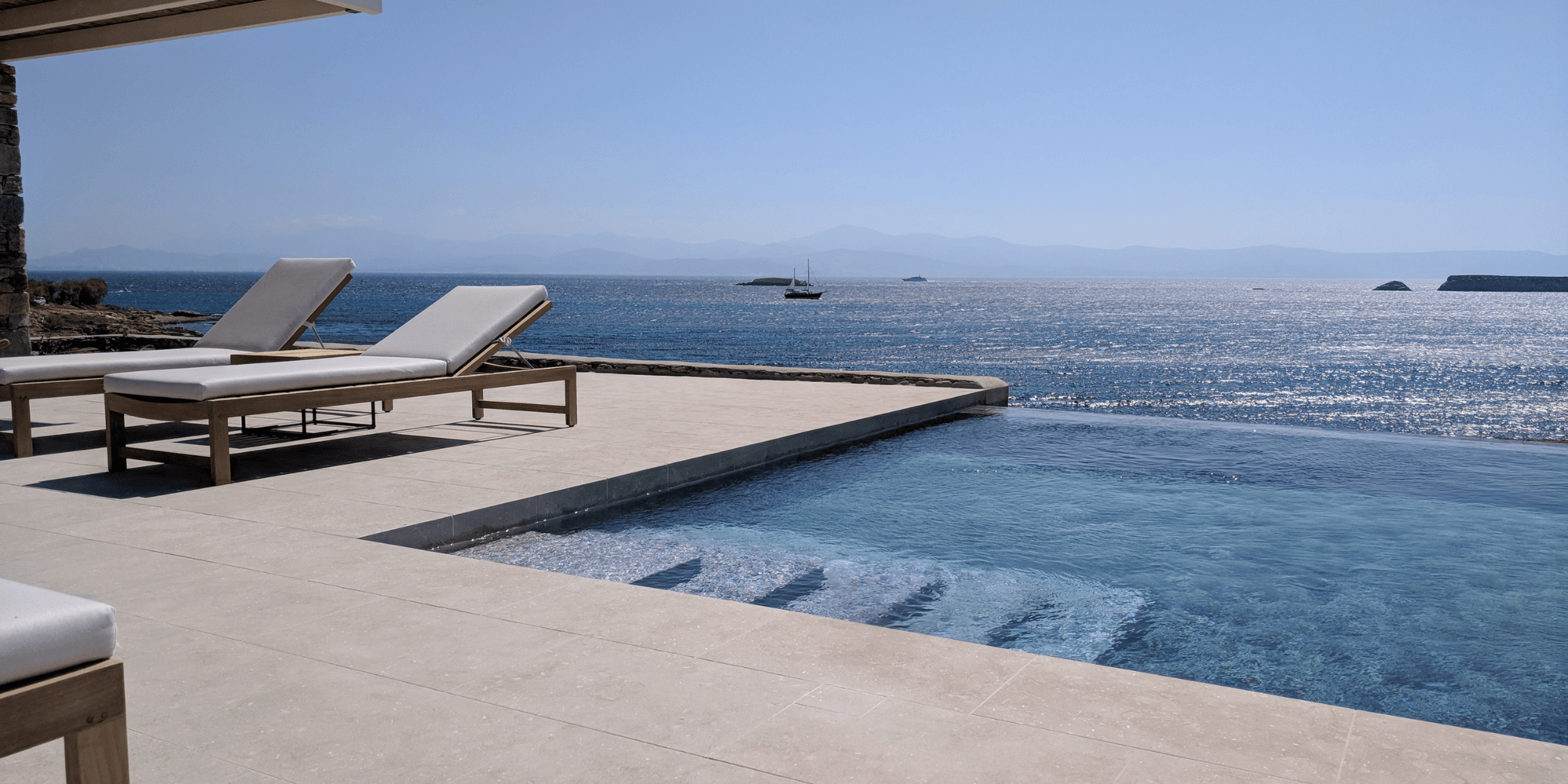 TOP Pool Trend: Natural stone coping
